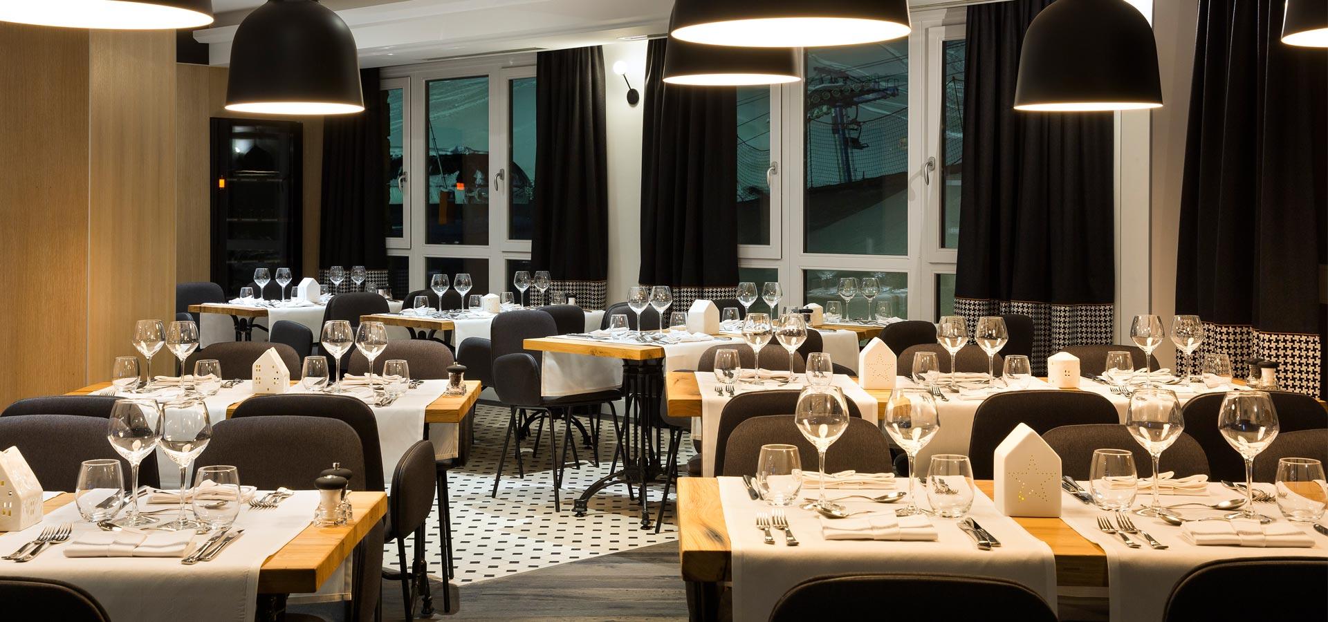 Mobilier Restaurant L'Araucaria | Poitoux