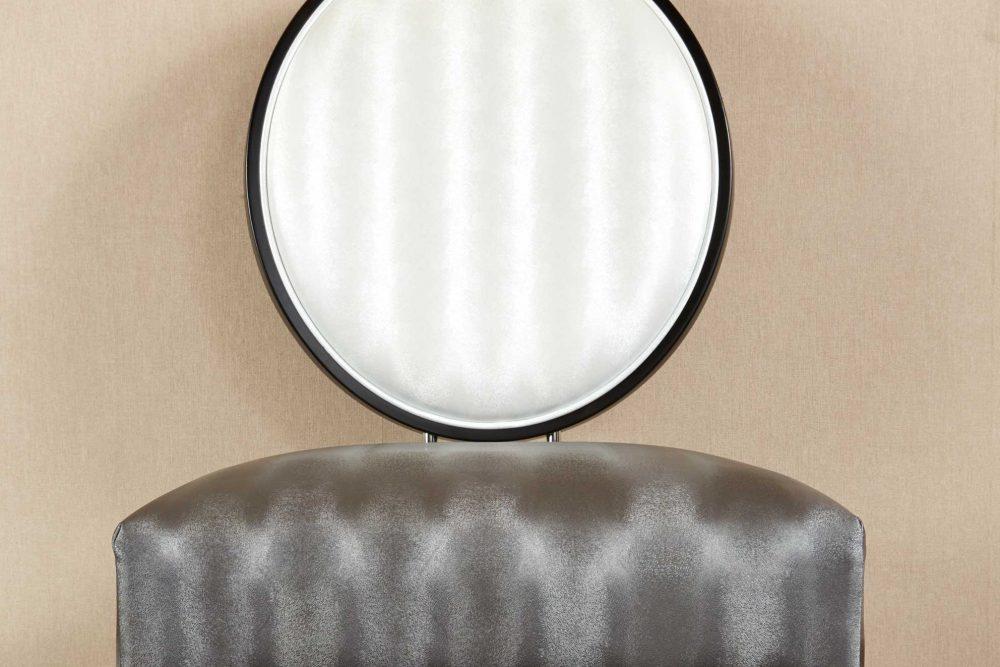 Chaise en similicuir blanc et gris haut de gamme